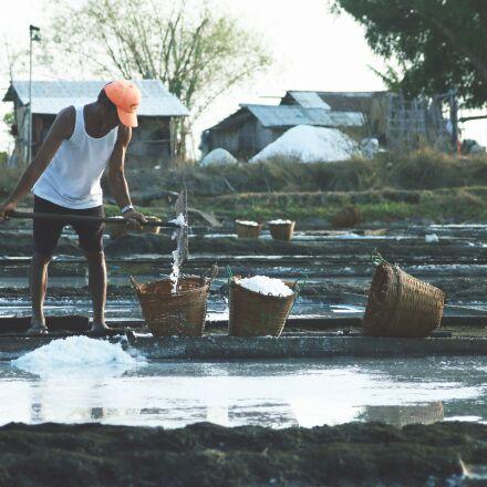 salt farm, hard work, Canon EOS 70D