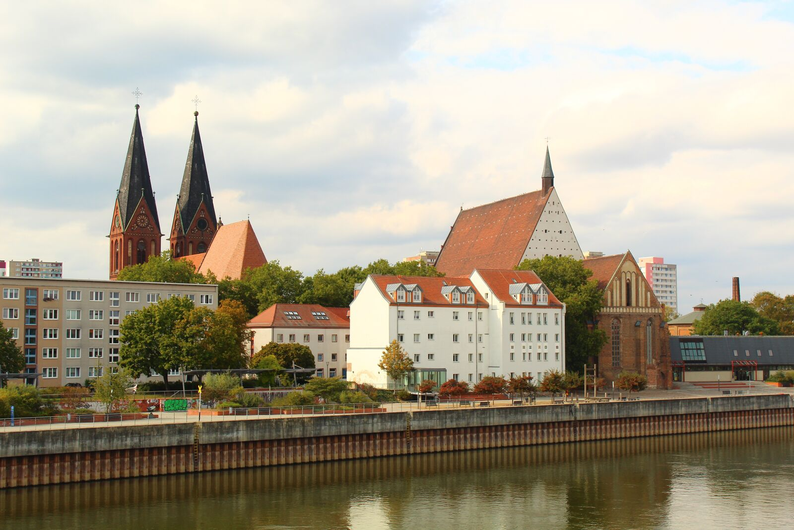 """Canon EOS 4000D (EOS Rebel T100 / EOS 3000D) sample photo. """"City, view, germany"""" photography"""