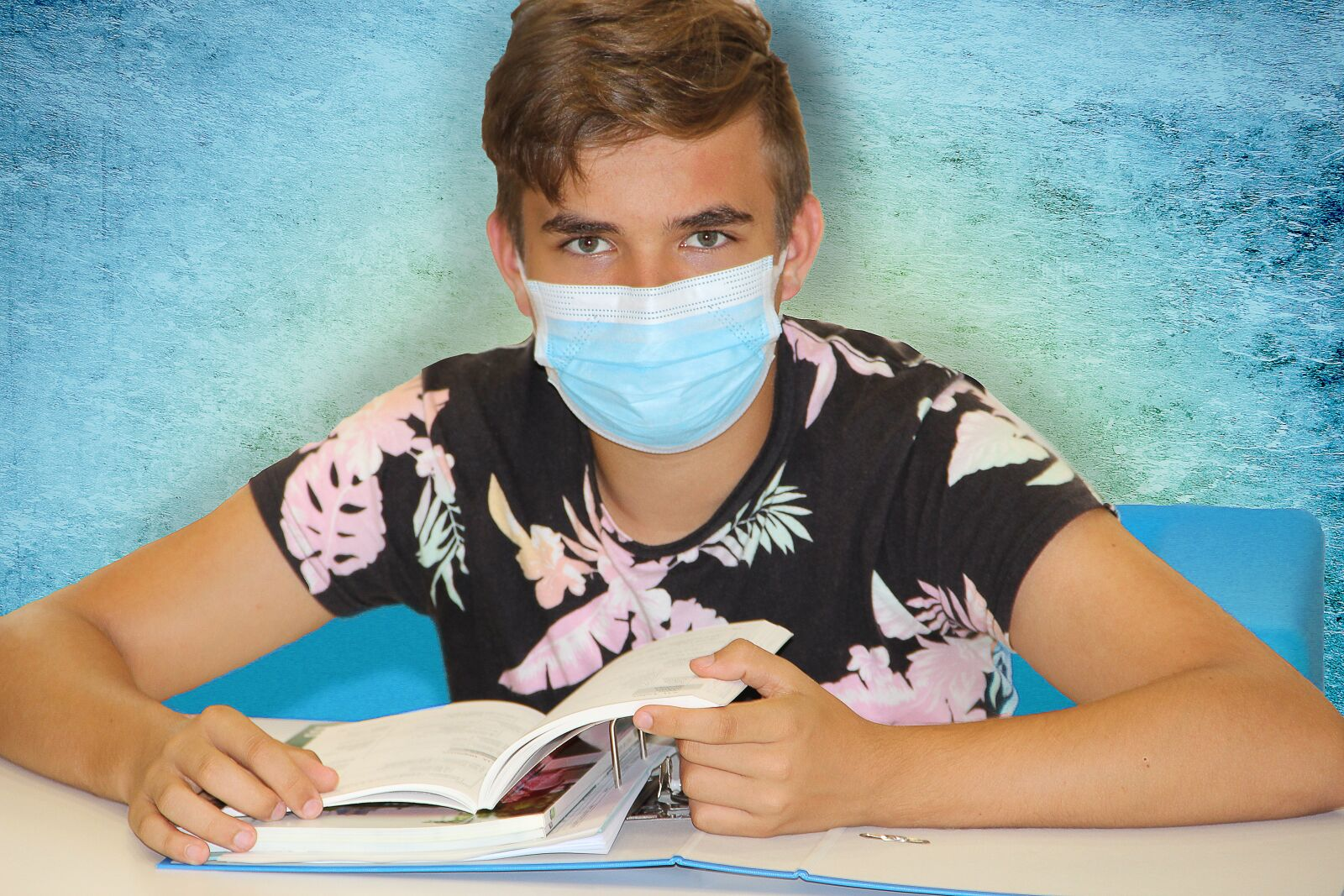 """Canon EOS 600D (Rebel EOS T3i / EOS Kiss X5) sample photo. """"Student, face mask, books"""" photography"""