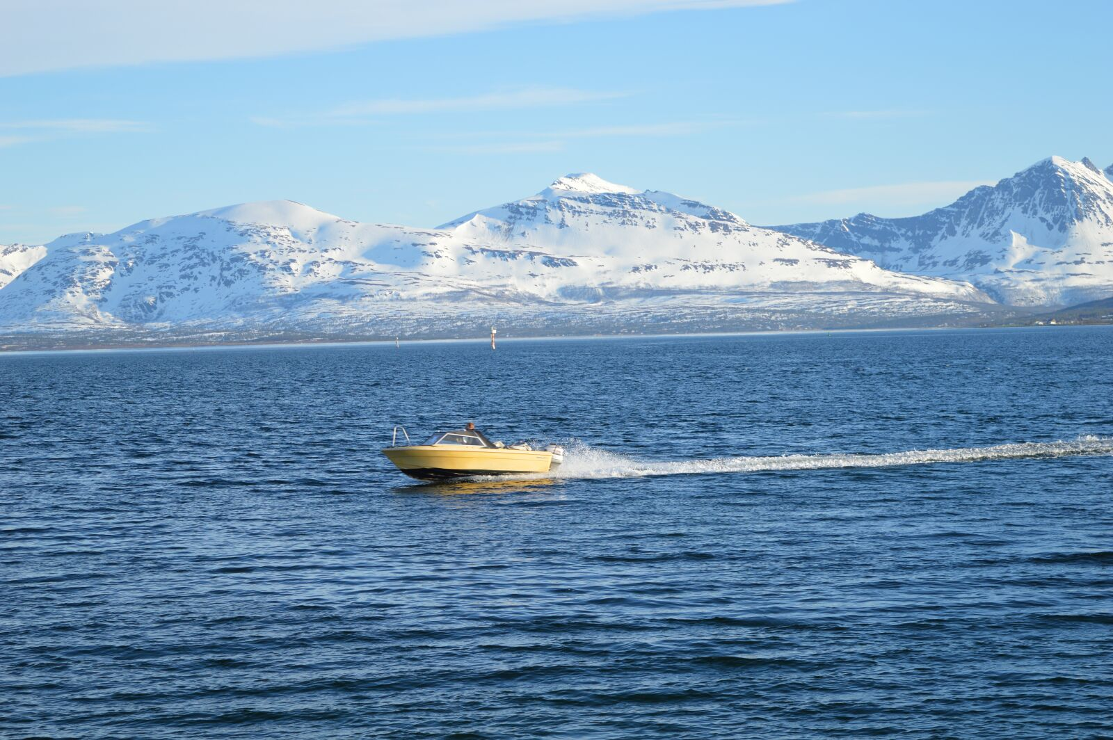 "Nikon D3200 sample photo. ""Water, ship, mountain"" photography"