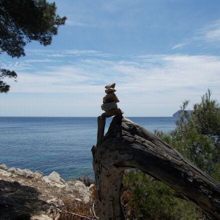 cairn, stones, sea, Nikon COOLPIX L29
