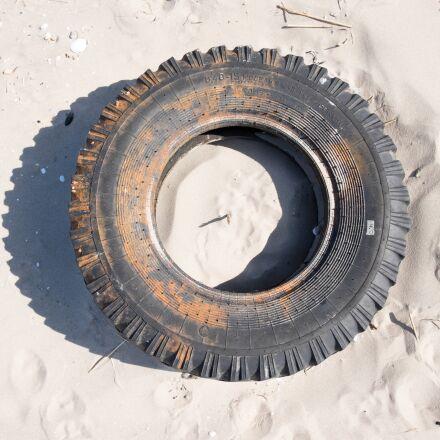 tires, rubber, sand, Fujifilm X-T1