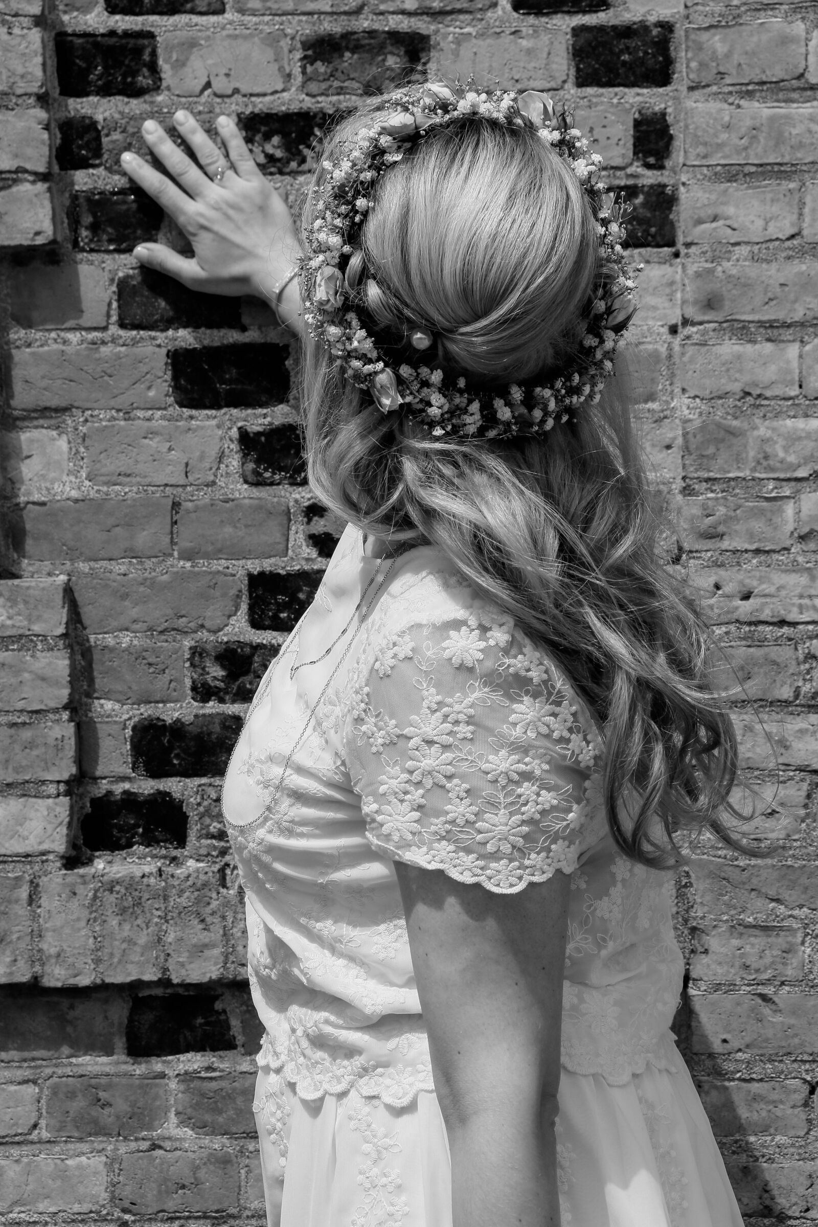 "Canon EOS 70D sample photo. ""Bride, model, dress"" photography"