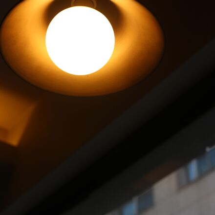 lighting, warm, cafe lighting, Canon EOS 100D
