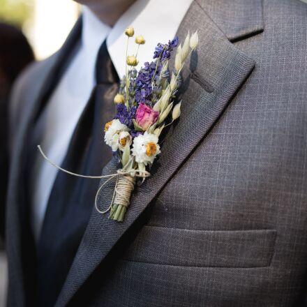 boutonniere, groomsman, wedding, Canon EOS 5D MARK III