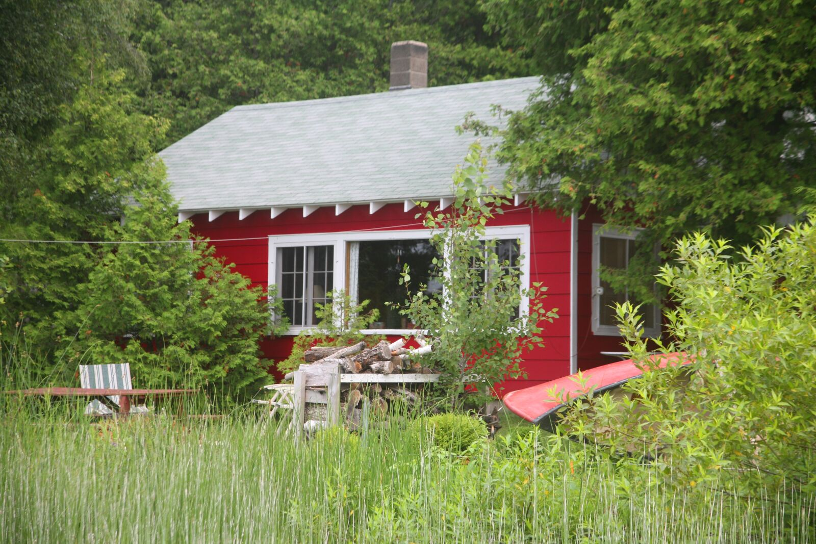 """Canon EOS 5D sample photo. """"House, red, red, house"""" photography"""