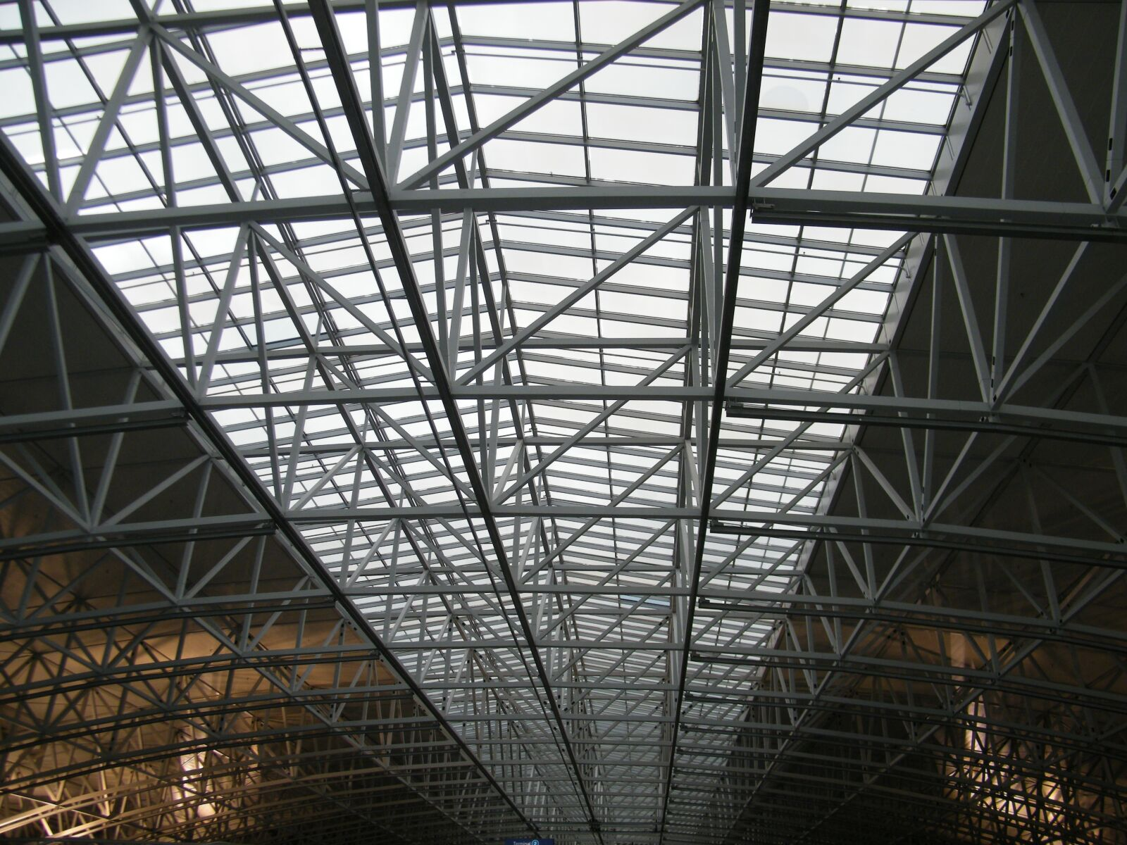 "Fujifilm FinePix S2000HD sample photo. ""Hall, airport, metal"" photography"