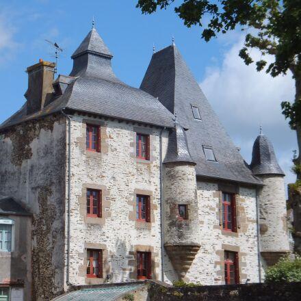 brittany, stone house, red, Fujifilm FinePix F550EXR