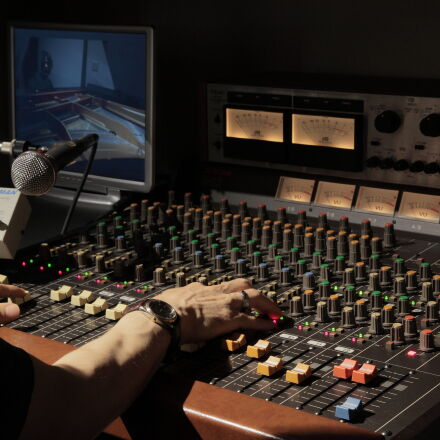 man, on, audio, mixer, Canon EOS 5D MARK II