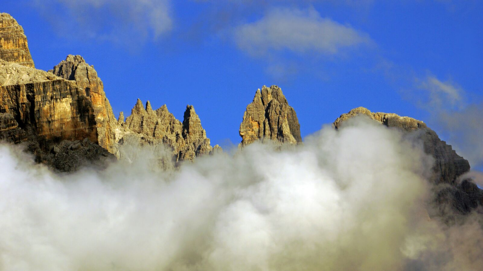 "Sony Alpha NEX-7 sample photo. ""Mountain, blue, top"" photography"