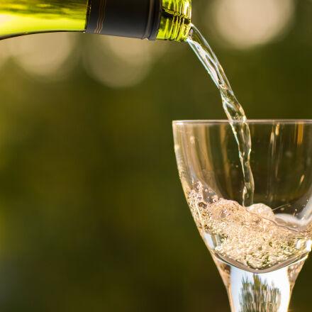 bottle, pouring, summertime, wine, Canon EOS 5D MARK III