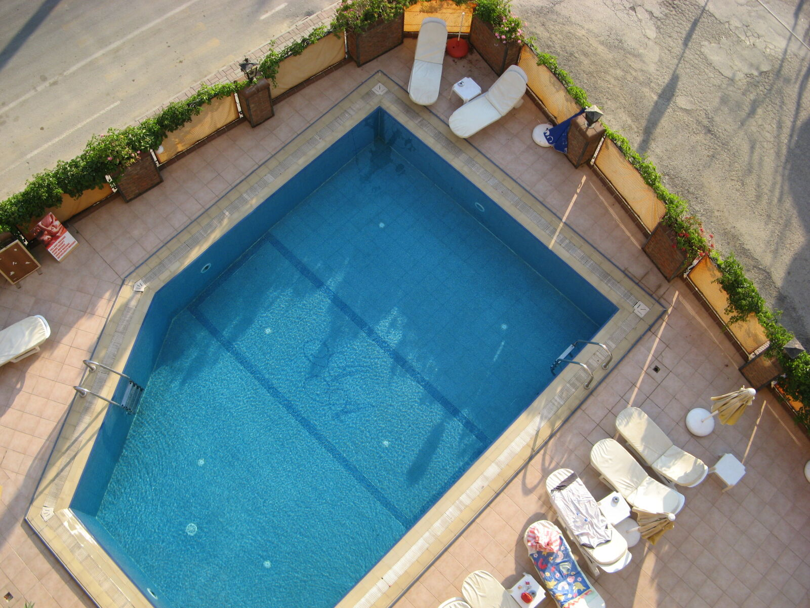 color, dug, out, pool