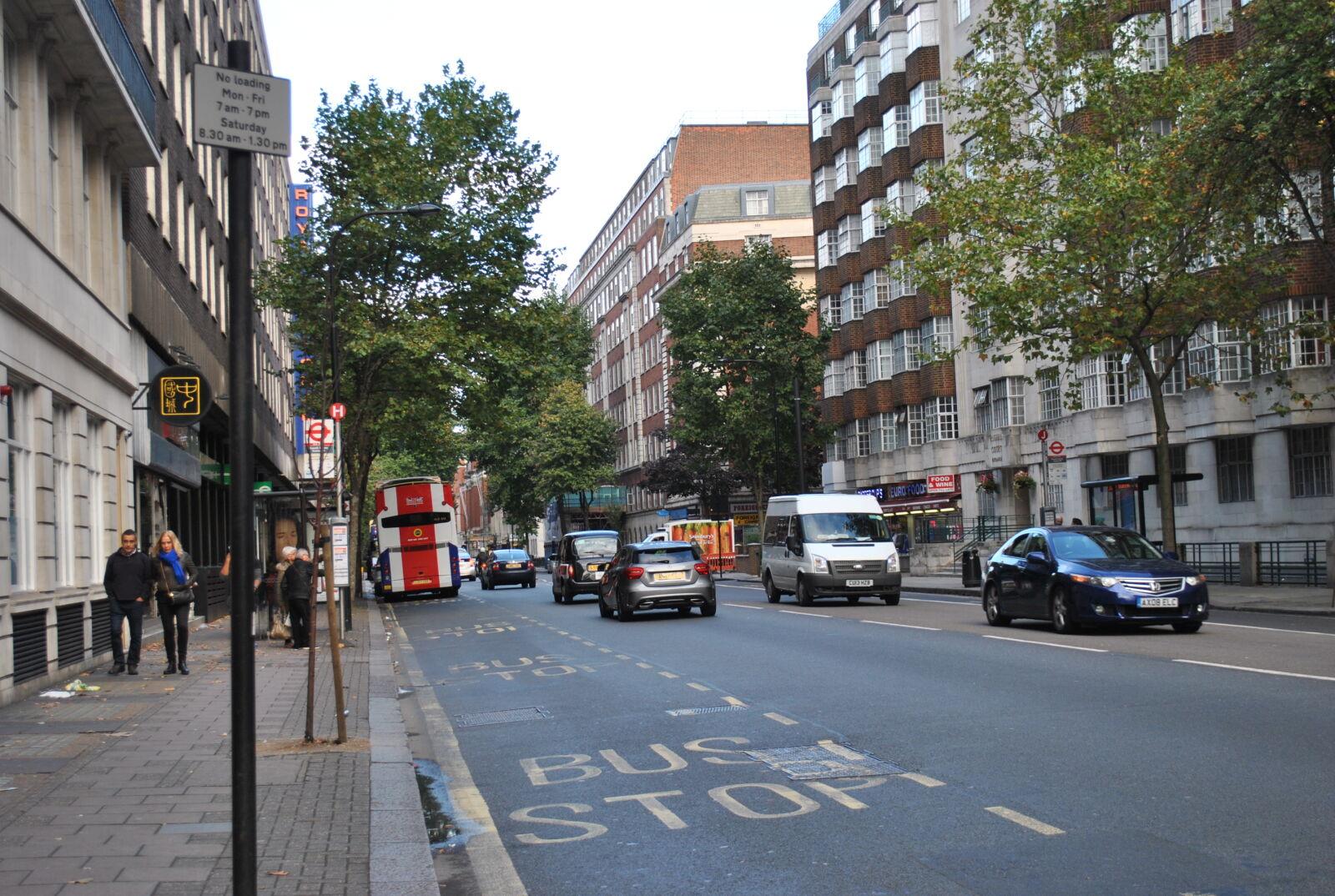 "Nikon D3000 sample photo. ""Buses, cars, city, london"" photography"