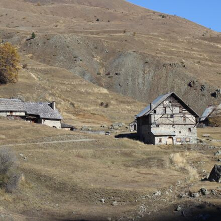 chalets, meadow, queyras, Canon EOS 600D