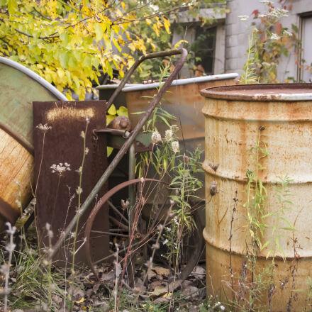 abandoned, barrels, fall, outdoors, Canon EOS 7D