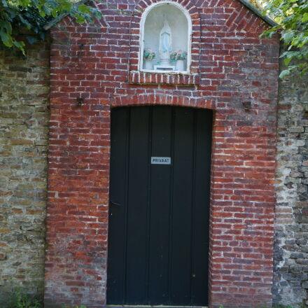 door, shed, Sony NEX-5N