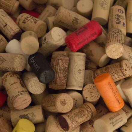 corks, wine, plugs, Canon EOS 100D