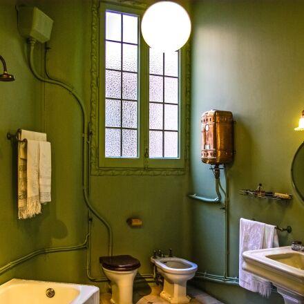 casa mila, gaudi, bathroom, Pentax K10D