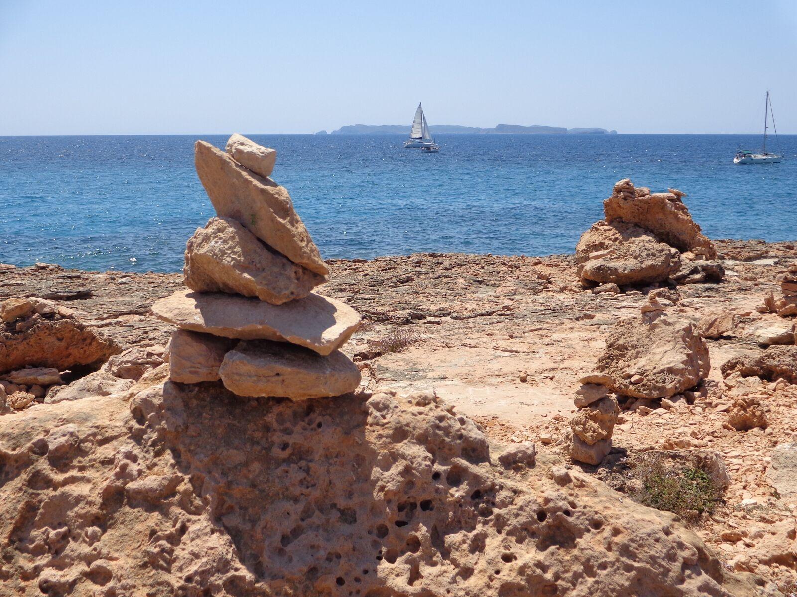 "Sony DSC-W690 sample photo. ""Beach, cala, landscape"" photography"