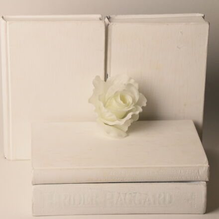 book, white, flower, Canon EOS 70D