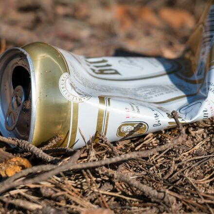beer can, garbage, pollution, Samsung NX300M